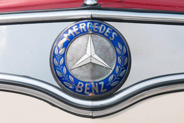 Oldtimerbus O321H Mercedes Stern 600 x 400 (Oldie Vorstellung)
